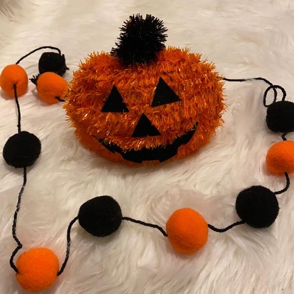 NWT Pumpkin & Pom Pom Garland!